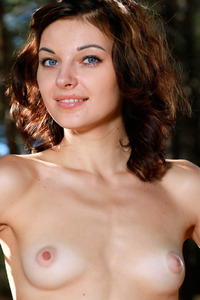 Florina Cute Girl Stripping
