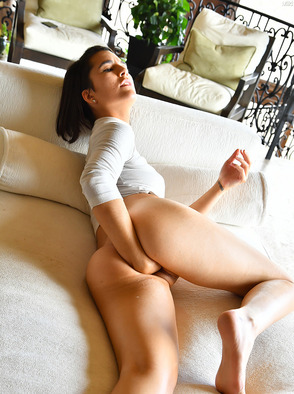 Amateur Teen Miki Plays With Huge Dildo
