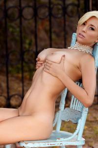 Shay Laren Exposes Natural Boobs