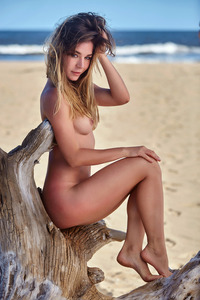 Amazing Beach Girl Lily C Getting Nude