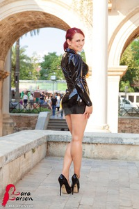 Business Girl Lara Larsen In Latex