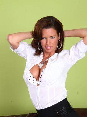 Sexy Housewive Veronica Avluv Fucked Hard