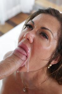 Horny MILF Nina Dolci