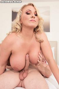 Chrissy Monroe Big Boobed Milf Getting Fucked