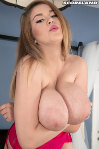 Erin Star Shows Nude Her Giant Boobs