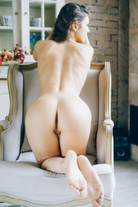 Playful Chick Ariel Gets Nude