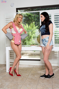 Cooking Time With Alexis Fawx And Megan Sage