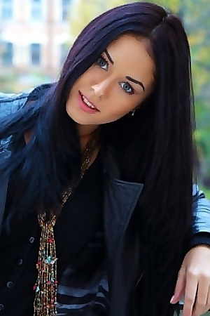 Sexy Hot Brunette Macy