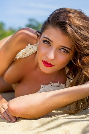 Sexy Babe Alana Alexandrino Free Sex Pictures