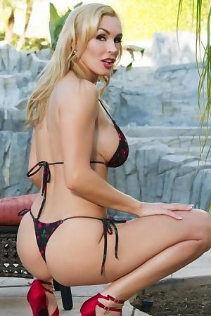 Blonde Babe Tanya Tate