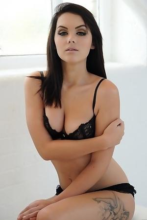 Mellisa Clarke Looks Cute Porn Pic Gallery