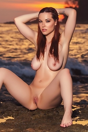 Elizabeth Marxs - Cybergirl Of The Year