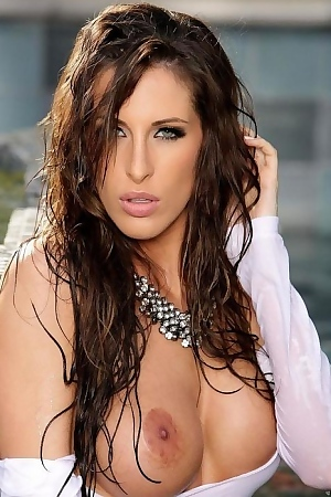 Stunning Honey Kortney Kane