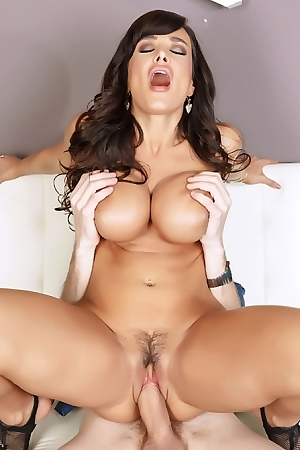 Hot MILF Lisa Ann Hooks Up In A Bathroom
