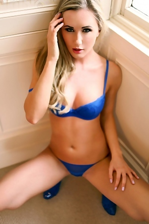 Sammi Tye Perfect Set Of Hot Babe