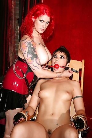 Satine Phoenix And Soma Snakeoil Lesbian Action