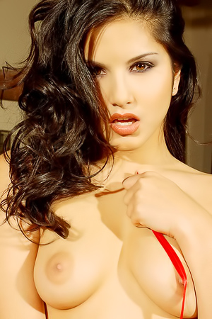 Sunny Leone Amazing Tight Hot Ass