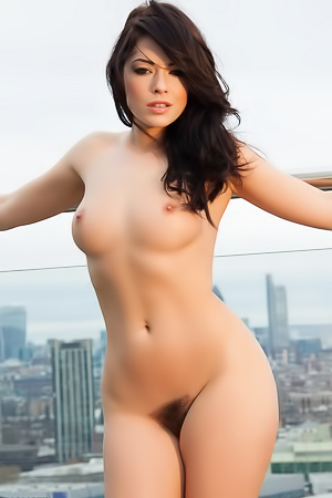 Glamour Babe Ava Delush Stripping On The Roof