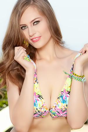 Jenna Justice Sexy In Her Flower Print Bikini