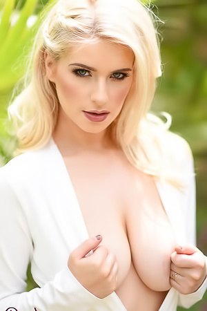 Jess Davies Is So Fucking Hot, She'll Take Your Breath Away