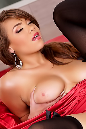Cassidy Banks Is As Seductive As It Comes