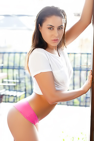 Ukrainian Photomodel Nikki Is Playful And Carefree