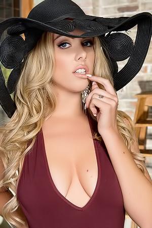 Lingerie Model Heidi Michel Strips Down