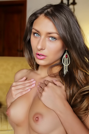 Brunette Beauty Yarina A Via Eternal Desire