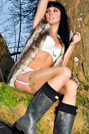 Top Hottie Sammi Jo Teases Near Tree