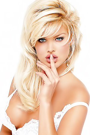 Victoria Silvstedt Is Playmate Of The Year 1997