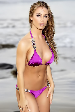 Nicole Aniston Posing On The Beach