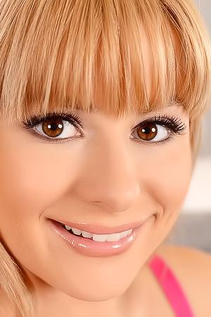 Charlyse Bella Closeup