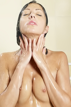 Lovely Chick Takes A Hot Shower