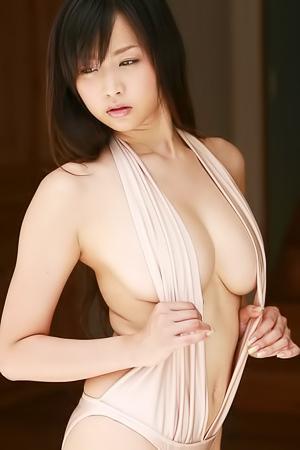 Akina Aoshima