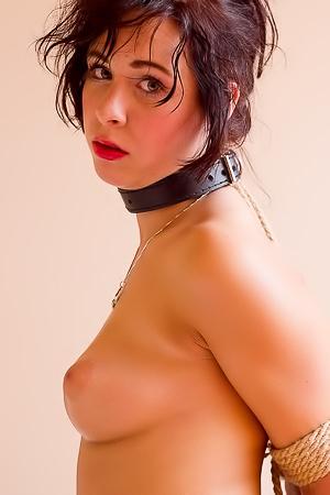 Amy Londer in bondage