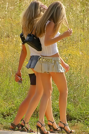 Incredible Sexy Upskirt Teens