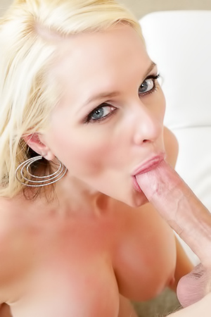 Busty Mature Babe Gets Titty Fucked