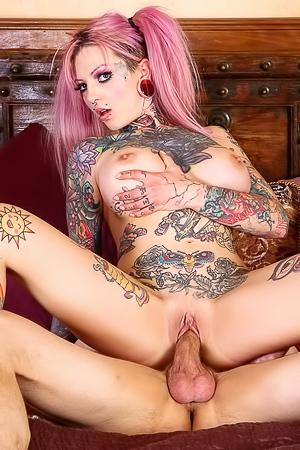 Tattooed Slut Sydnee Vicious Fucks