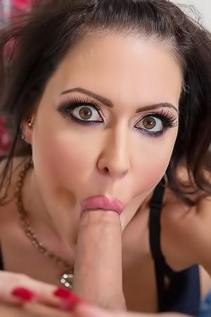 Jessica Jaymes Give Sensual Blowjob