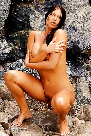 Veronica Da Souza With Amazing Body Posing Naked