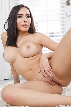 Huge Assed Latina Lela Star Gets Naked