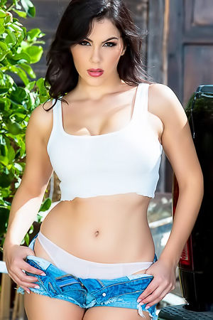 Valentina Nappi In Hot Short