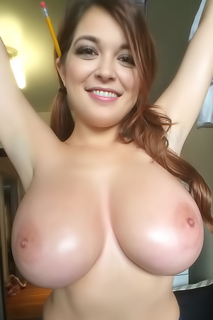 Tessa Fowler With Huge Boobs