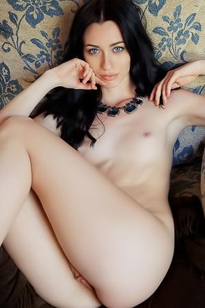 Elegant Teen Model Zsanett Tormay Undressing