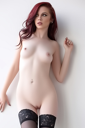 Redhead Cybergirl Nico Faye