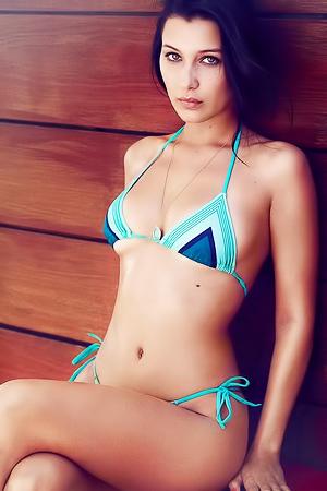 Supermodel Bella Hadid - Sexy Pics