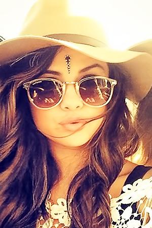 Hot Selena Gomez Pics