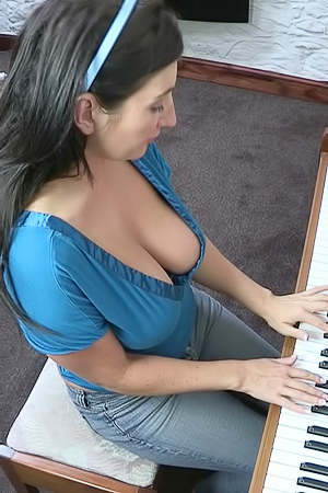 Tibby Muldoon Piano Lesson Downblouse