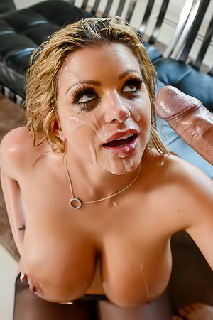 Big Assed Pornstar Brooklyn Chase Gets Anal Fucked picture gallery
