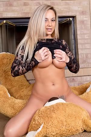 Nikki Sims Teddy Bear Nudes